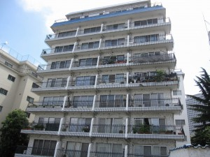 outlook of an apartment building in Mita