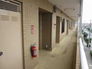 corridor of apartment building in Ichikawa