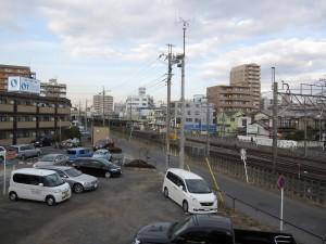 Higashi-Ohmiya station seen from afar