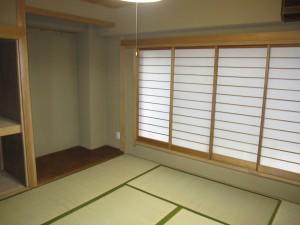 inside (a 8-mat tatami room)
