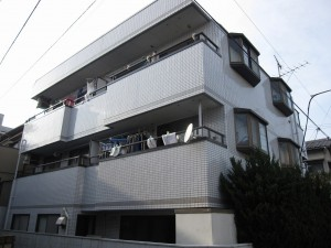 apartment building for investment in Setagaya-ku