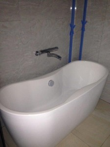 order made bath tub in the newly built apartment